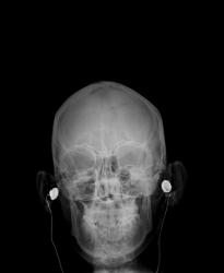 https://evamariaraab.com/files/gimgs/th-45_web_my_headphones_eva_maria_raab_1.jpg