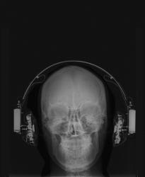 https://evamariaraab.com/files/gimgs/th-45_web_my_headphones_eva_maria_raab_2.jpg