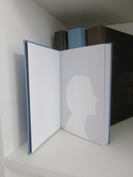 https://evamariaraab.com/files/gimgs/th-81_web_younic_eva_maria_raab_view_book.jpg